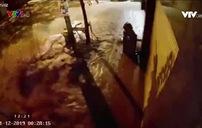 Ống nước nổ như bom trước cửa nhà dân ở Buôn Ma Thuột
