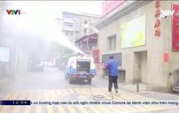 Các tình nguyện viên Trung Quốc hỗ trợ đối phó dịch viêm phổi cấp