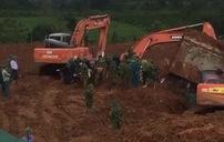 Sạt lở núi ở Quảng Trị: Đưa thi thể 2 chiến sĩ cuối cùng dưới bể nước lật úp ra ngoài