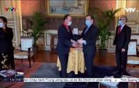 Pháp trao tặng Huân chương Bắc đẩu Bội tinh  cho Đại sứ Việt Nam Nguyễn Thiệp