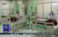 Số lượng người mắc COVID-19 vẫn đang tăng lên, bệnh viện ở Ấn Độ bị quá tải