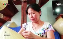 Vẻ đẹp phụ nữ Á Đông: Người phụ nữ đặc biệt đưa nón Huế xuất ngoại
