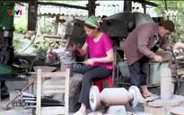 S - Việt Nam: Khám phá làng rèn Phúc Sen