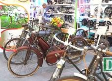 Cận cảnh chiếc xe đạp cổ chủ nhân ra giá hơn 200 triệu đồng ở Hà Nội