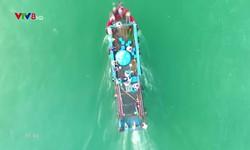 Chuyện biển chuyện người: Làng biển nặng ơn Người