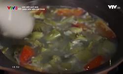 Góc bếp quê nhà: Canh hến nấu cải chua
