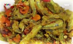 Góc bếp quê nhà: Cá cơm than chiên sả nghệ