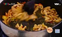Bếp nhà: Mì quảng trộn tôm thịt