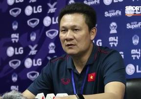 HLV Nguyễn Quốc Tuấn thận trọng trước trận gặp Thái Lan