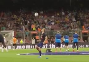 Choáng ngợp với màn khởi động bằng bóng bổng của sao Barcelona