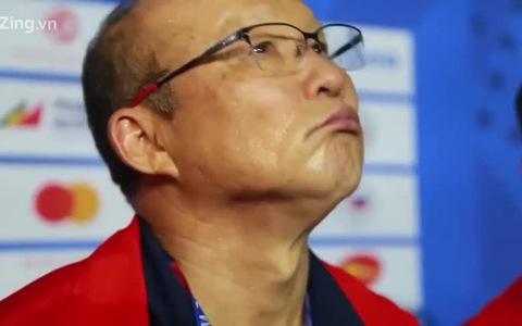 HLV Park Hang-seo không kìm được cảm xúc khi nói về chiến thắng lịch sử cho bóng đá Việt Nam.