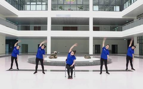 Clip: Hướng dẫn bài tập thể dục giữa giờ hưởng ứng Chương trình sức khỏe Việt Nam
