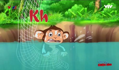 Quà tặng cuộc sống: Khỉ con bắt cá