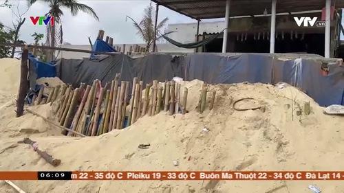 Nhiều hộ dân bất an vì sạt lở bờ biển