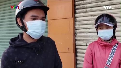 Về quê tránh dịch, hai chị em được CSGT tặng 500 nghìn đồng để ở lại