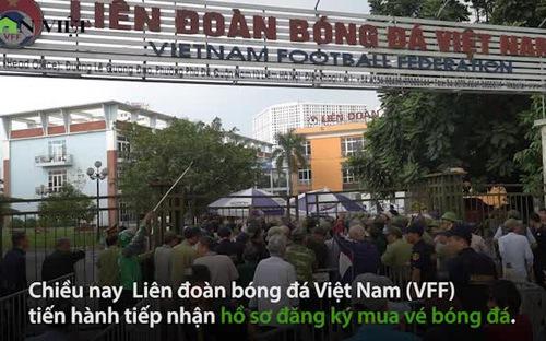 Hỗn loạn cảnh thương binh tranh mua vé trận Việt Nam gặp Thái Lan