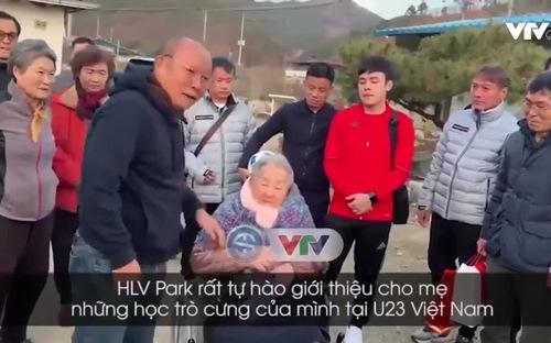 Xúc động ngày HLV Park Hang Seo về thăm mẹ tại quê nhà Hàn Quốc