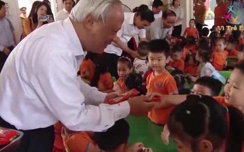 Vận động nguồn lực hỗ trợ trẻ em dân tộc thiểu số và miền núi