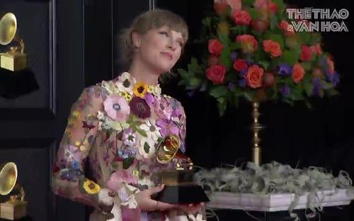 Những trang phục ấn tượng trên thảm đỏ Grammy 2021