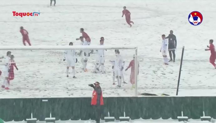 """""""Cầu vồng trong tuyết"""" của Quang Hải đè bẹp hoàn toàn đối thủ cạnh tranh"""