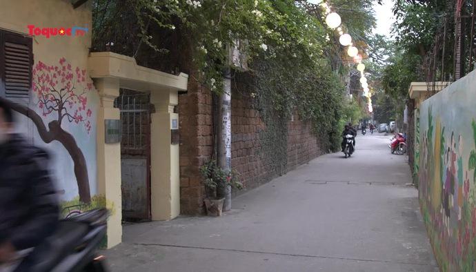 """Đánh thức """"nàng xuân"""" trong khu phố nhỏ bằng những nét vẽ"""