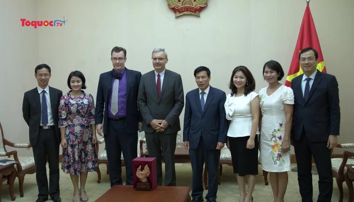 Bộ trưởng Nguyễn Ngọc Thiện tiếp Đại sứ Cộng hòa Pháp tại Việt Nam