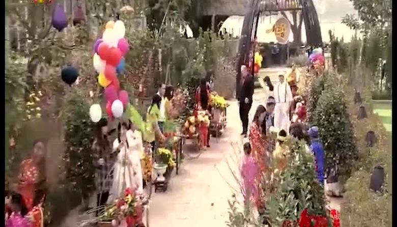 Ăn tết Việt - Phần 2
