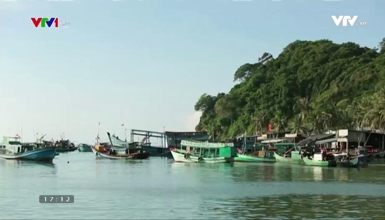 Khám phá Việt Nam: Đêm theo chân lão ngư câu mực ở Nam Du