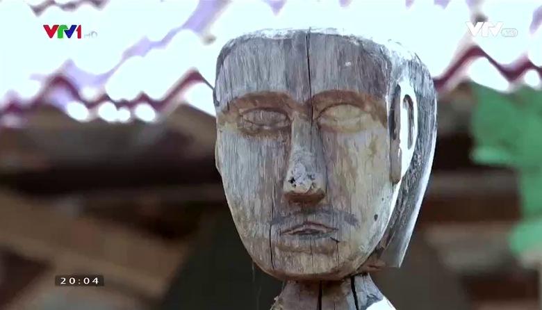 S - Việt Nam: Khám phá tượng gỗ Tây Nguyên