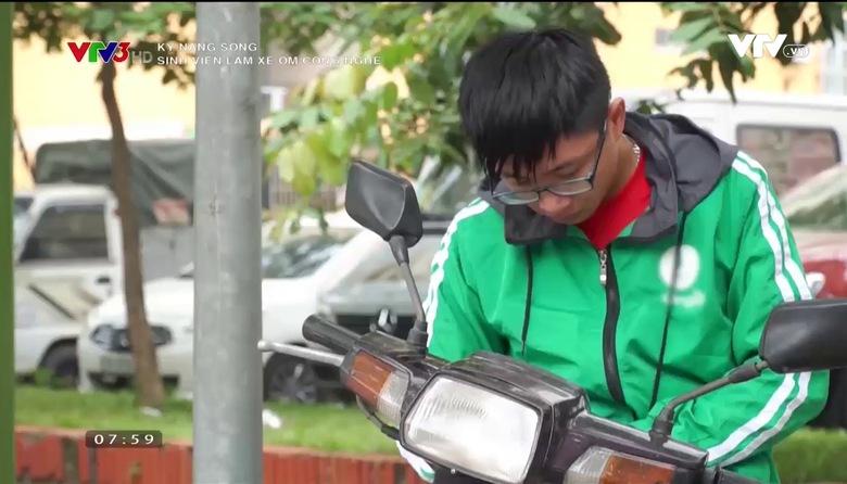 Kỹ năng sống: Sinh viên làm xe ôm công nghệ