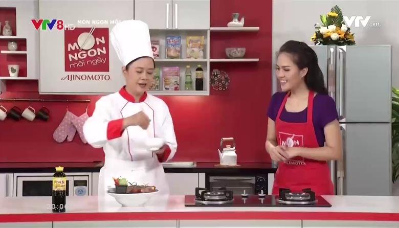 Món ngon mỗi ngày: Bò cuộn rau củ nướng chấm xốt tương