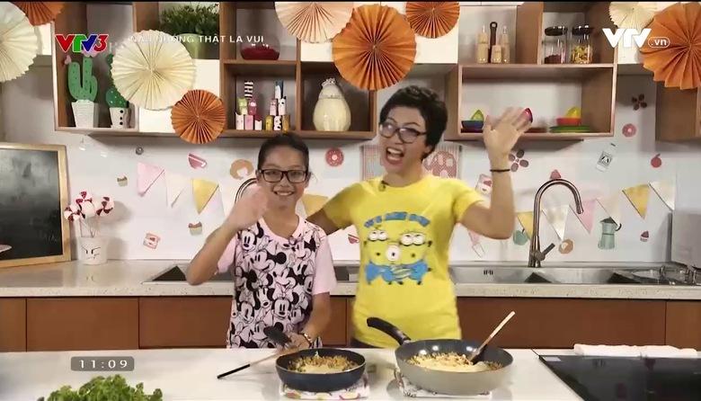 Nấu nướng thật là vui: Cơm rang phô mai