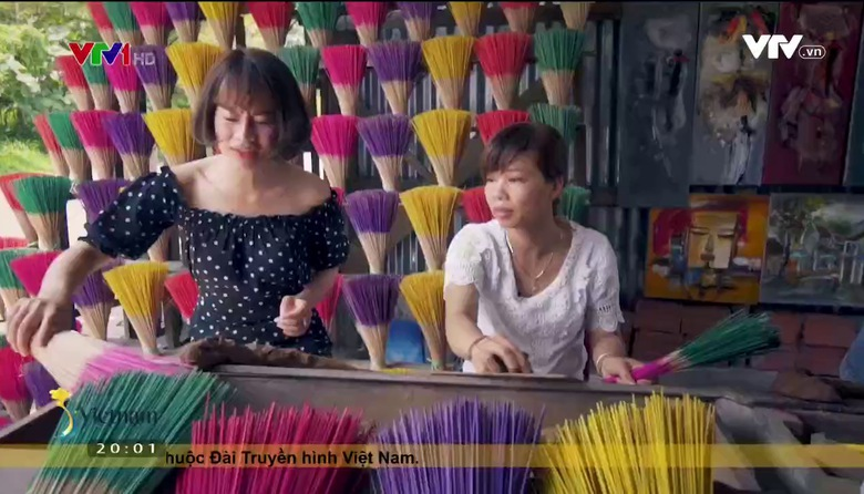 S - Việt Nam: Hương làng xứ Huế
