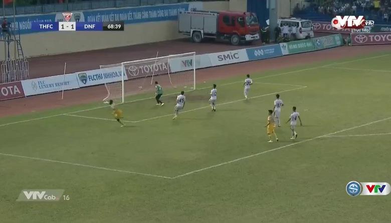 Phút 69: Omar độc diễn nâng tỷ số lên 2-1 cho FLC Thanh Hóa