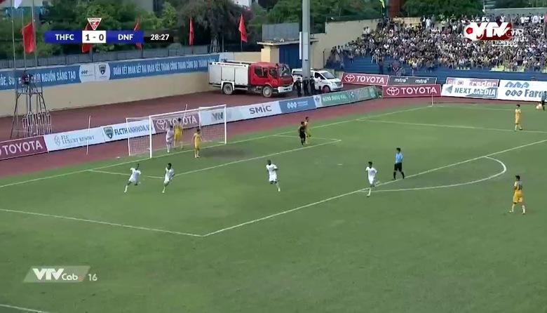 Phút 29: Bùi Văn Long gỡ hòa 1-1 cho SHB Đà Nẵng