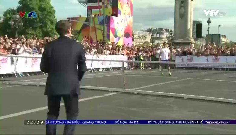 Tổng thống Pháp chơi quần vợt, vận động đăng cai Olympic 2024